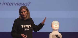 "Elin Öberg Mårtenzon fights against bias with robot Tengai: ""Job interviews discriminate and are very complex"""